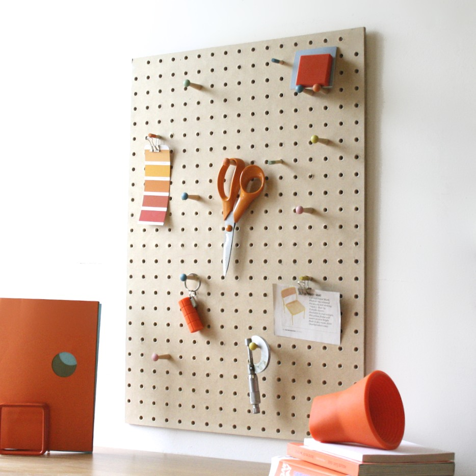 Exhibitors list for Large pegboard letters